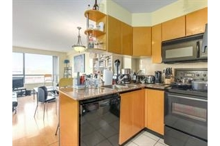"Main Photo: 2308 1189 HOWE Street in Vancouver: Downtown VW Condo for sale in ""THE GENESIS"" (Vancouver West)  : MLS(r) # R2169392"