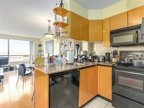 "Main Photo: 2308 1189 HOWE Street in Vancouver: Downtown VW Condo for sale in ""THE GENESIS"" (Vancouver West)  : MLS® # R2169392"