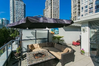 "Main Photo: 938 BEATTY Street in Vancouver: Yaletown Townhouse for sale in ""The Max"" (Vancouver West)  : MLS(r) # R2169603"
