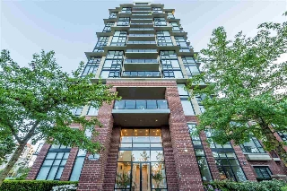 "Main Photo: 1803 11 E ROYAL Avenue in New Westminster: Fraserview NW Condo for sale in ""VICTORIA HILL"" : MLS(r) # R2170064"