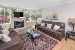 "Main Photo: 203 2020 HIGHBURY Street in Vancouver: Point Grey Condo for sale in ""Highbury Towers"" (Vancouver West)  : MLS(r) # R2170488"