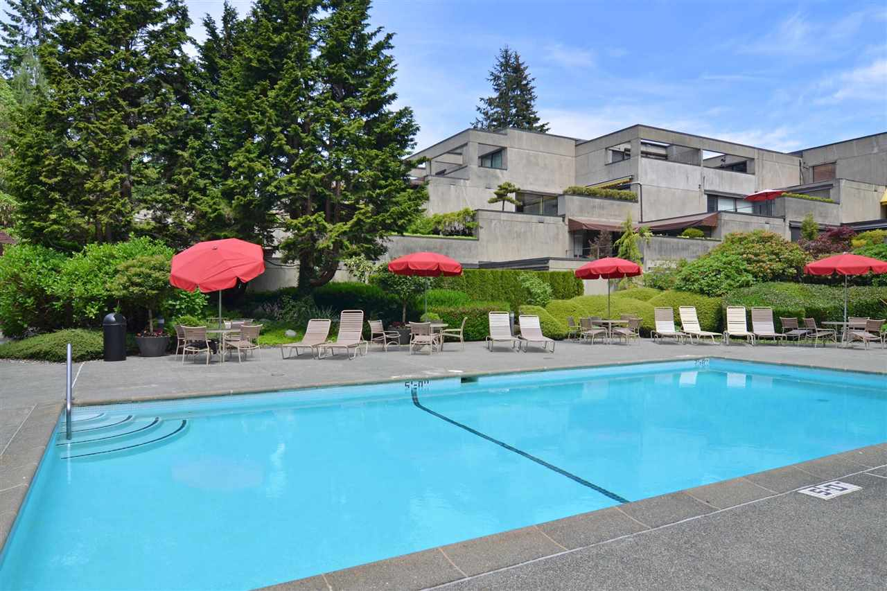 "Main Photo: 309 4900 CARTIER Street in Vancouver: Shaughnessy Condo for sale in ""SHAUGHNESSY PLACE"" (Vancouver West)  : MLS® # R2174376"