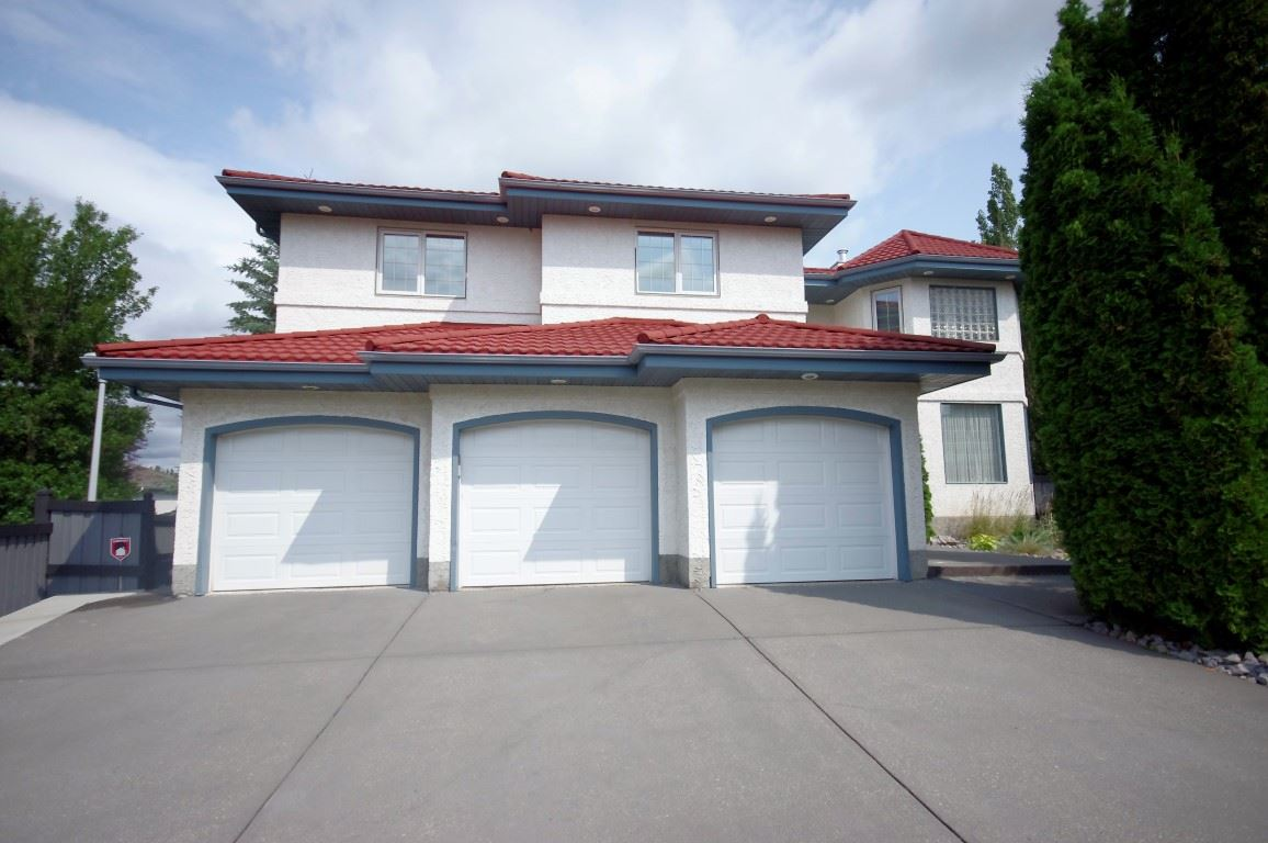 Main Photo:  in Edmonton: Zone 14 House for sale : MLS® # E4074160