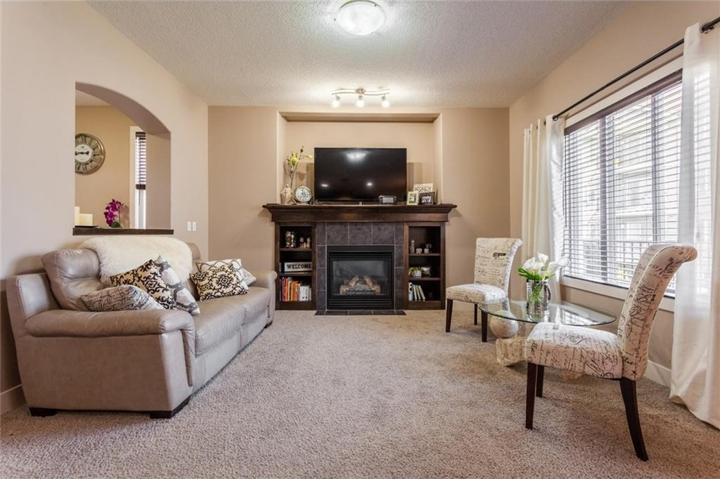 Photo 2: 190 SHERWOOD Mount NW in Calgary: Sherwood House for sale : MLS® # C4130656