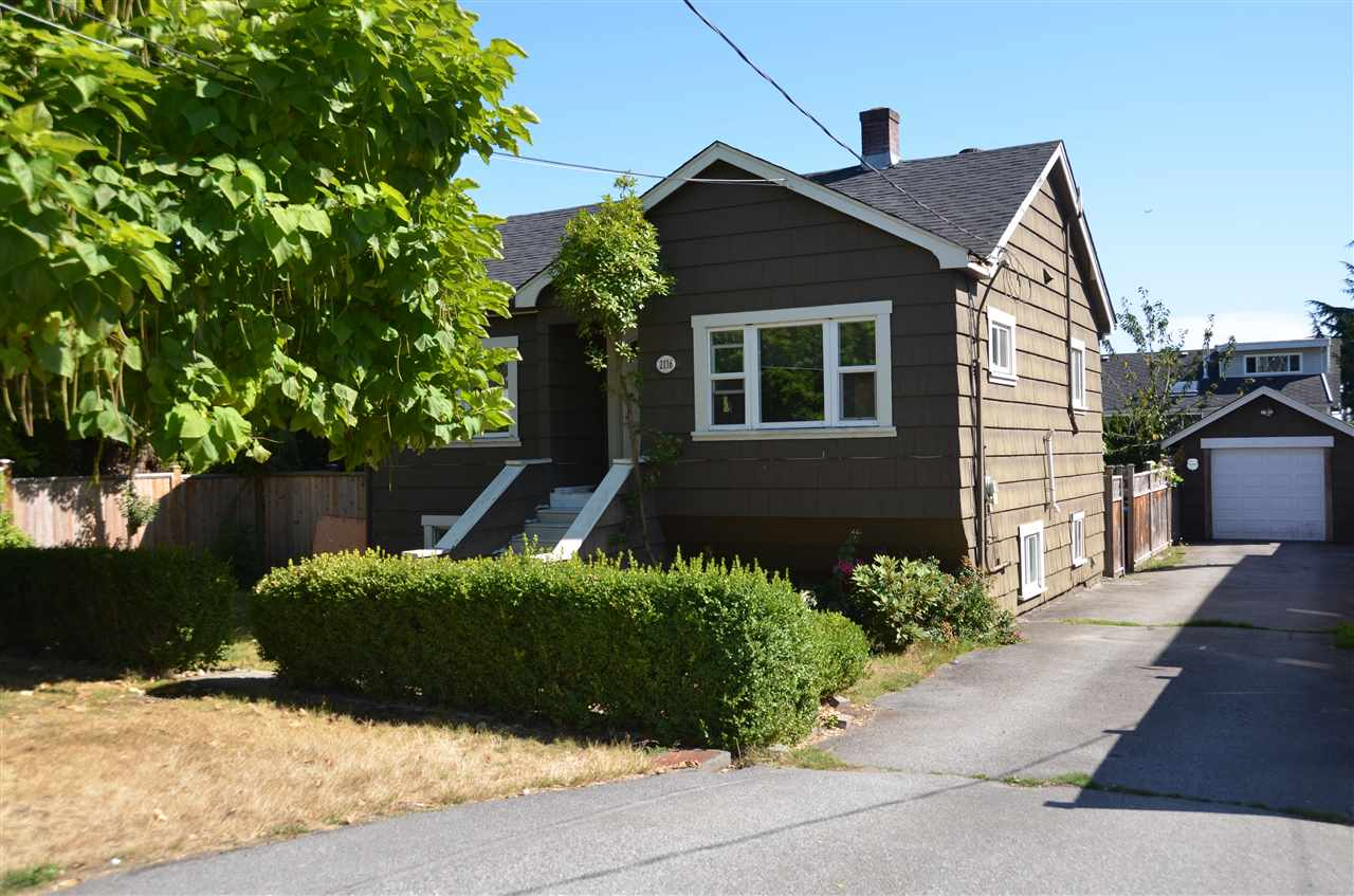 Photo 1: 2116 DUBLIN Street in New Westminster: Connaught Heights House for sale : MLS® # R2204215
