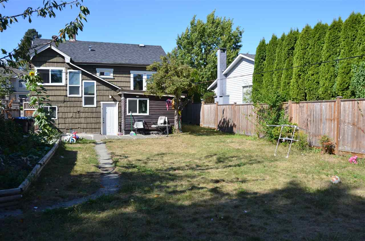 Photo 2: 2116 DUBLIN Street in New Westminster: Connaught Heights House for sale : MLS® # R2204215