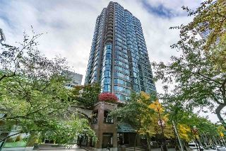 "Main Photo: 401 888 HAMILTON Street in Vancouver: Downtown VW Condo for sale in ""ROSEDALE GARDEN"" (Vancouver West)  : MLS® # R2215482"
