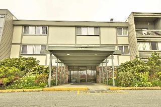 "Main Photo: 113 3451 SPRINGFIELD Drive in Richmond: Steveston North Condo for sale in ""ADMIRAL COURT"" : MLS® # R2216857"