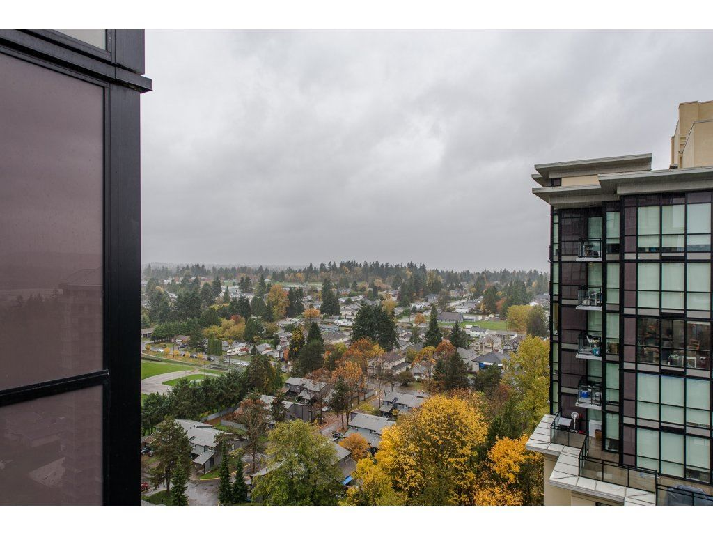 "Photo 17: Photos: 1908 10777 UNIVERSITY Drive in Surrey: Whalley Condo for sale in ""City Point"" (North Surrey)  : MLS® # R2219176"