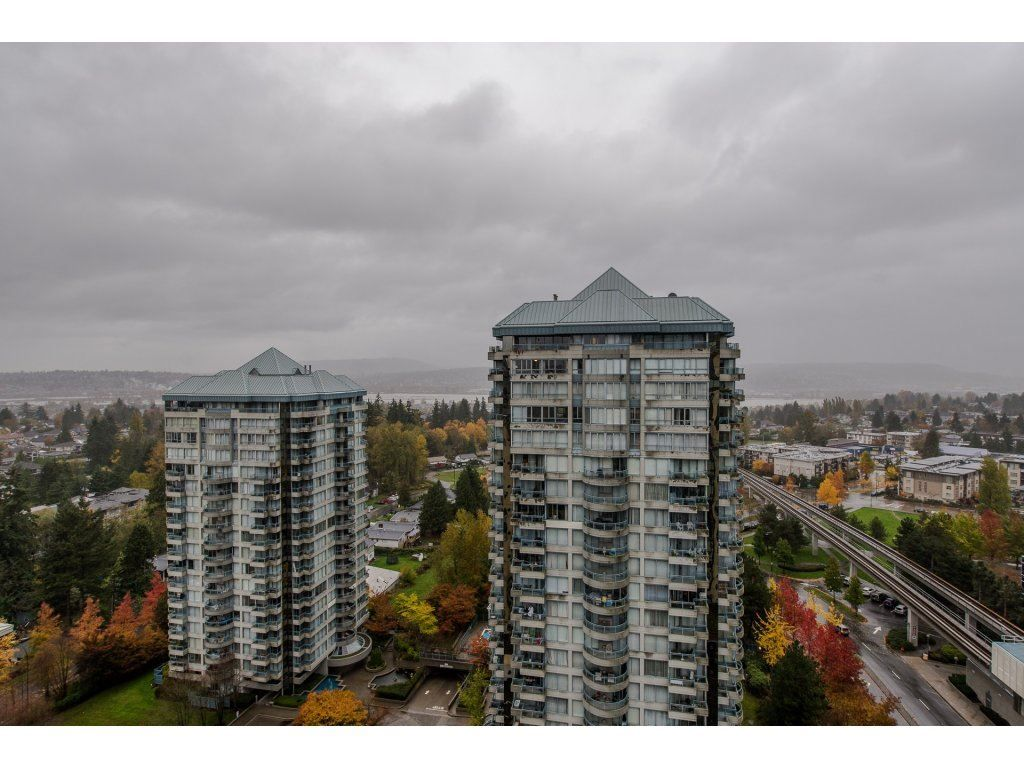 "Photo 16: Photos: 1908 10777 UNIVERSITY Drive in Surrey: Whalley Condo for sale in ""City Point"" (North Surrey)  : MLS® # R2219176"