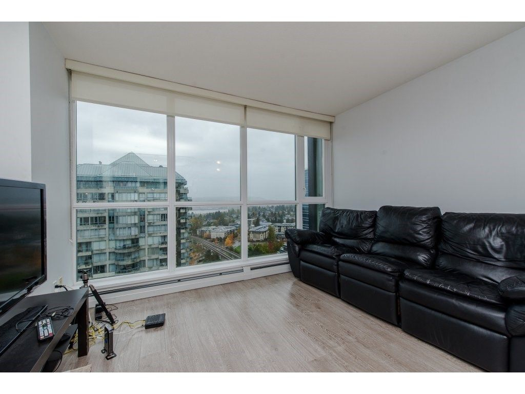 "Photo 5: Photos: 1908 10777 UNIVERSITY Drive in Surrey: Whalley Condo for sale in ""City Point"" (North Surrey)  : MLS® # R2219176"