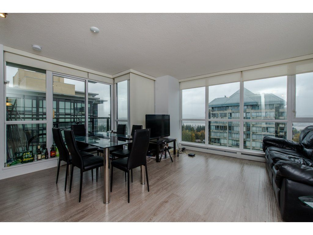 "Photo 3: Photos: 1908 10777 UNIVERSITY Drive in Surrey: Whalley Condo for sale in ""City Point"" (North Surrey)  : MLS® # R2219176"