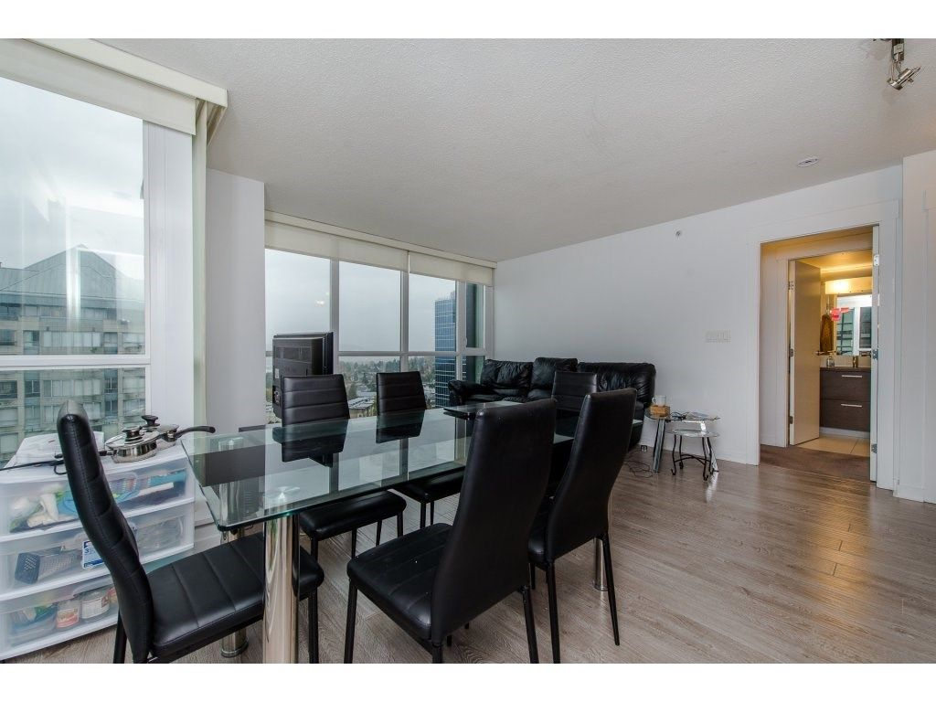 "Photo 4: Photos: 1908 10777 UNIVERSITY Drive in Surrey: Whalley Condo for sale in ""City Point"" (North Surrey)  : MLS® # R2219176"