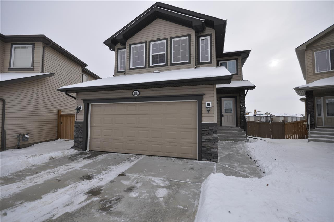 Main Photo: 1427 HAYS Way in Edmonton: Zone 58 House for sale : MLS® # E4088832