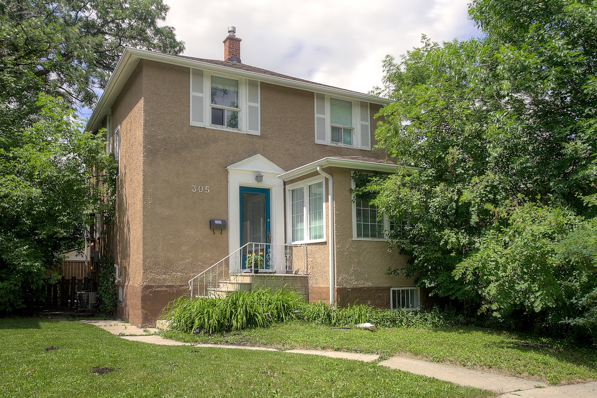 FEATURED LISTING: 305 Beaverbrook Street Winnipeg