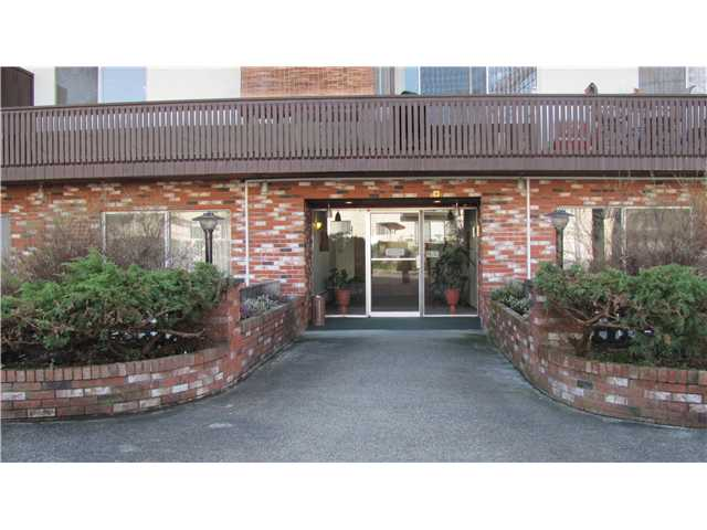 "Photo 2: 209 910 5TH Avenue in New Westminster: Uptown NW Condo for sale in ""ALDERCREST"" : MLS® # V881727"