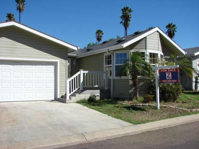 Main Photo: EL CAJON Manufactured Home for sale : 3 bedrooms : 15935 Spring Oaks Rd #133