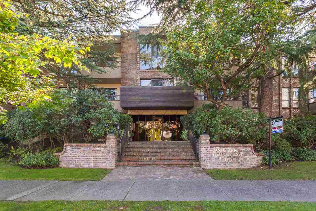 "Main Photo: 306 1266 W 13TH Avenue in Vancouver: Fairview VW Condo for sale in ""LANDMARK SHAUGHNESSY"" (Vancouver West)  : MLS® # R2005859"