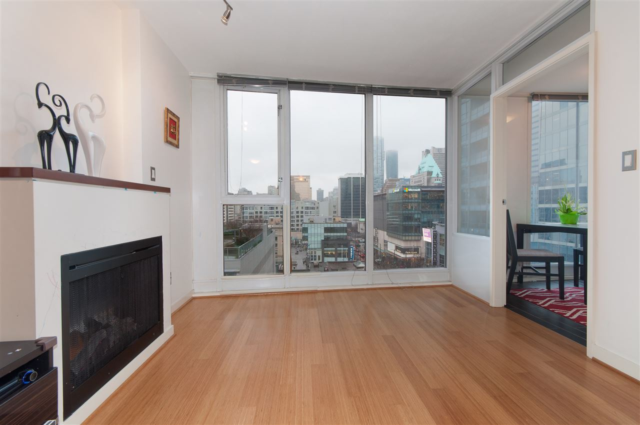 "Main Photo: 1002 822 SEYMOUR Street in Vancouver: Downtown VW Condo for sale in ""L'ARIA"" (Vancouver West)  : MLS® # R2036101"