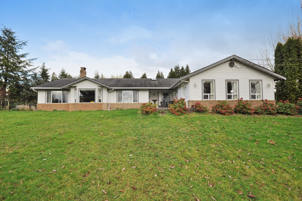Main Photo: 2752 BRADNER Road in Abbotsford: Aberdeen House for sale : MLS® # R2040855