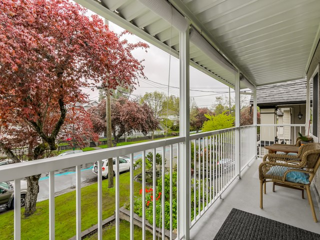Photo 5: 4656 RAVINE Street in Vancouver: Collingwood VE House for sale (Vancouver East)  : MLS® # R2107811
