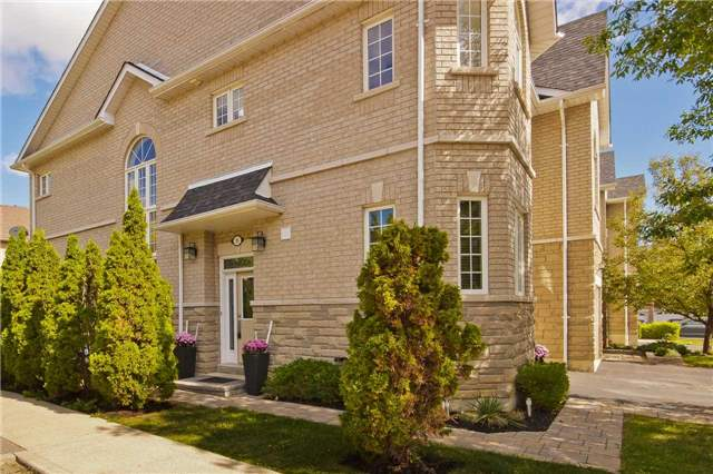 Main Photo: 95 470 Faith Drive in Mississauga: Hurontario Condo for sale : MLS® # W3607693