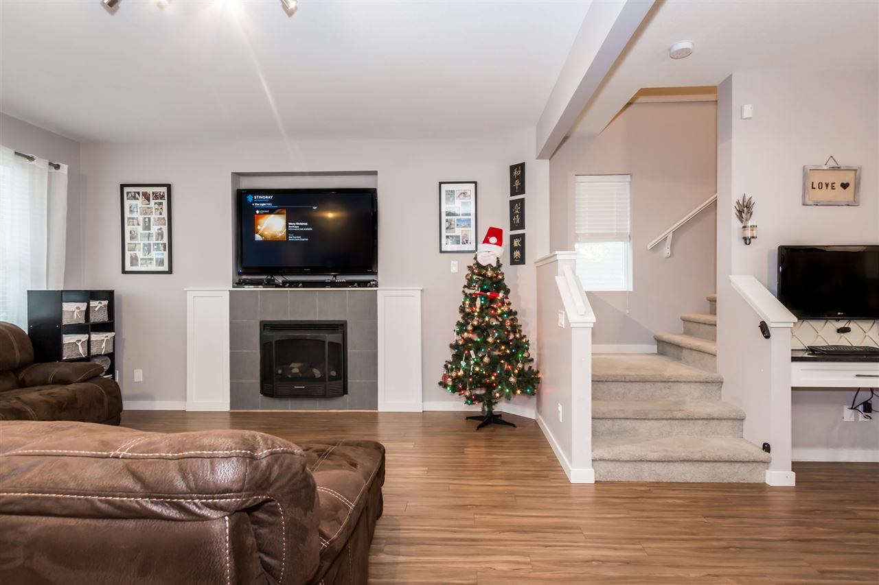 Photo 3: 24177 102 Avenue in Maple Ridge: Albion House for sale : MLS® # R2128028