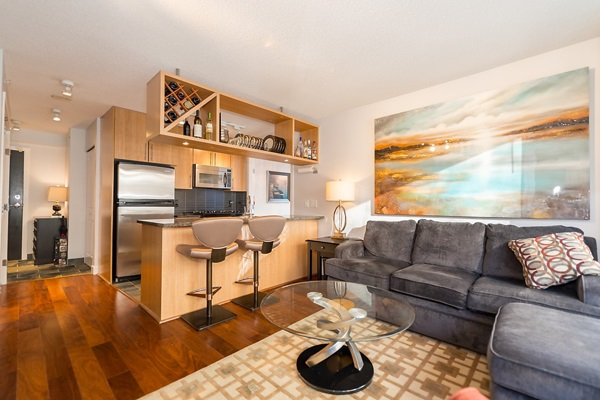 "Photo 4: 202 1001 RICHARDS Street in Vancouver: Downtown VW Condo for sale in ""Miro"" (Vancouver West)  : MLS(r) # R2130172"