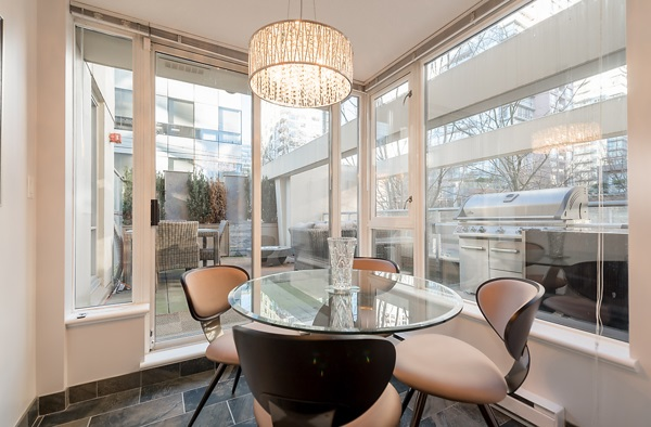 "Photo 11: 202 1001 RICHARDS Street in Vancouver: Downtown VW Condo for sale in ""Miro"" (Vancouver West)  : MLS(r) # R2130172"