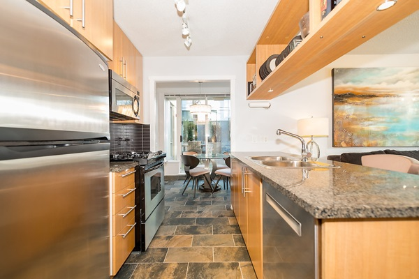 "Photo 7: 202 1001 RICHARDS Street in Vancouver: Downtown VW Condo for sale in ""Miro"" (Vancouver West)  : MLS(r) # R2130172"