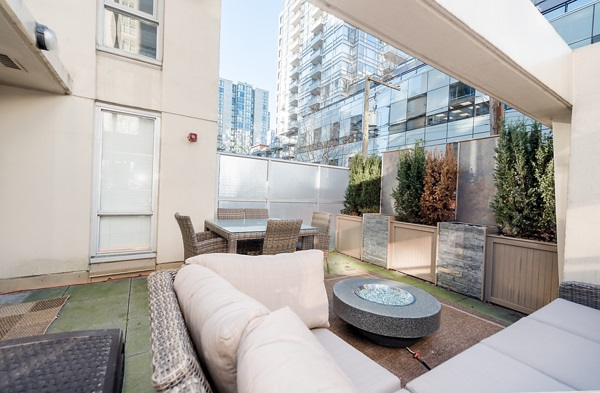 "Photo 16: 202 1001 RICHARDS Street in Vancouver: Downtown VW Condo for sale in ""Miro"" (Vancouver West)  : MLS(r) # R2130172"