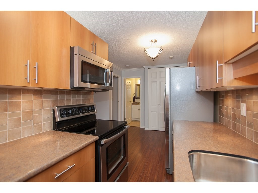 "Photo 3: 103 2055 SUFFOLK Avenue in Port Coquitlam: Glenwood PQ Condo for sale in ""Suffolk Manor"" : MLS(r) # R2142925"