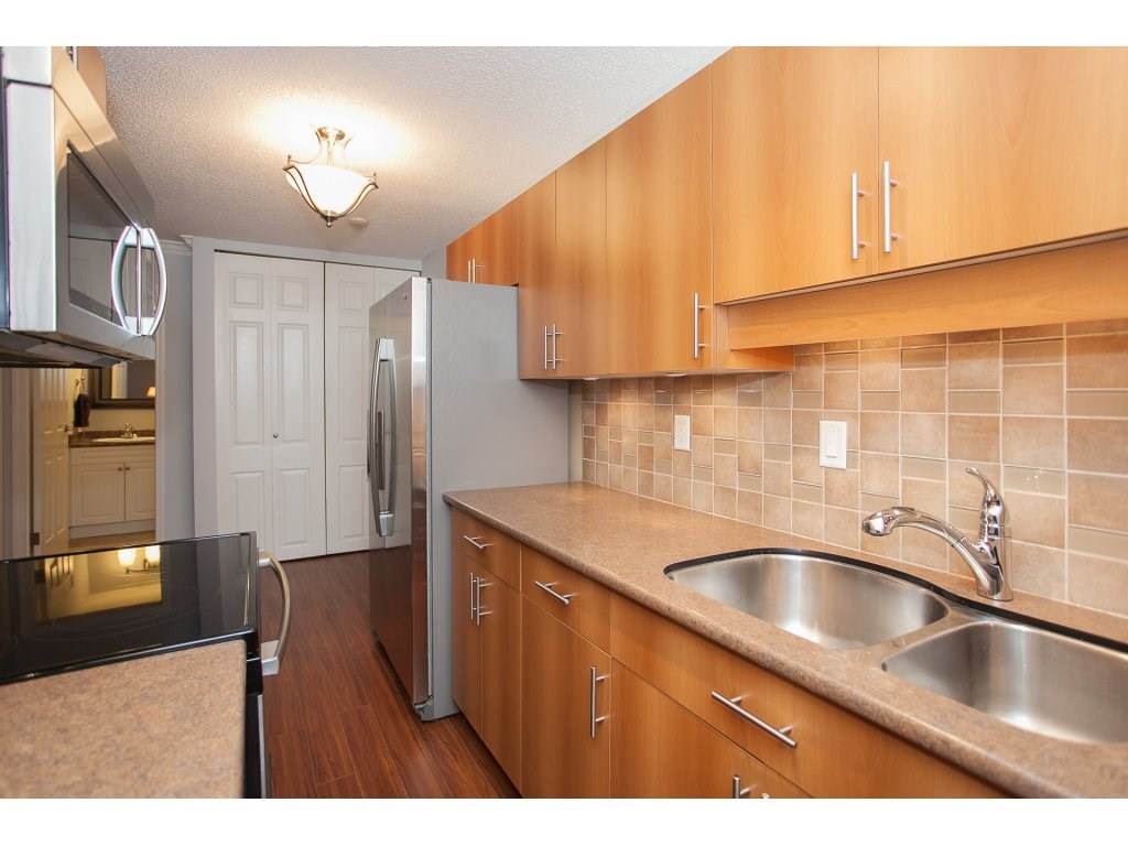"Photo 4: 103 2055 SUFFOLK Avenue in Port Coquitlam: Glenwood PQ Condo for sale in ""Suffolk Manor"" : MLS(r) # R2142925"