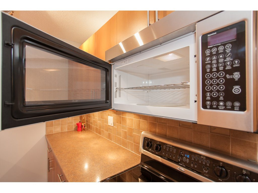 "Photo 6: 103 2055 SUFFOLK Avenue in Port Coquitlam: Glenwood PQ Condo for sale in ""Suffolk Manor"" : MLS(r) # R2142925"