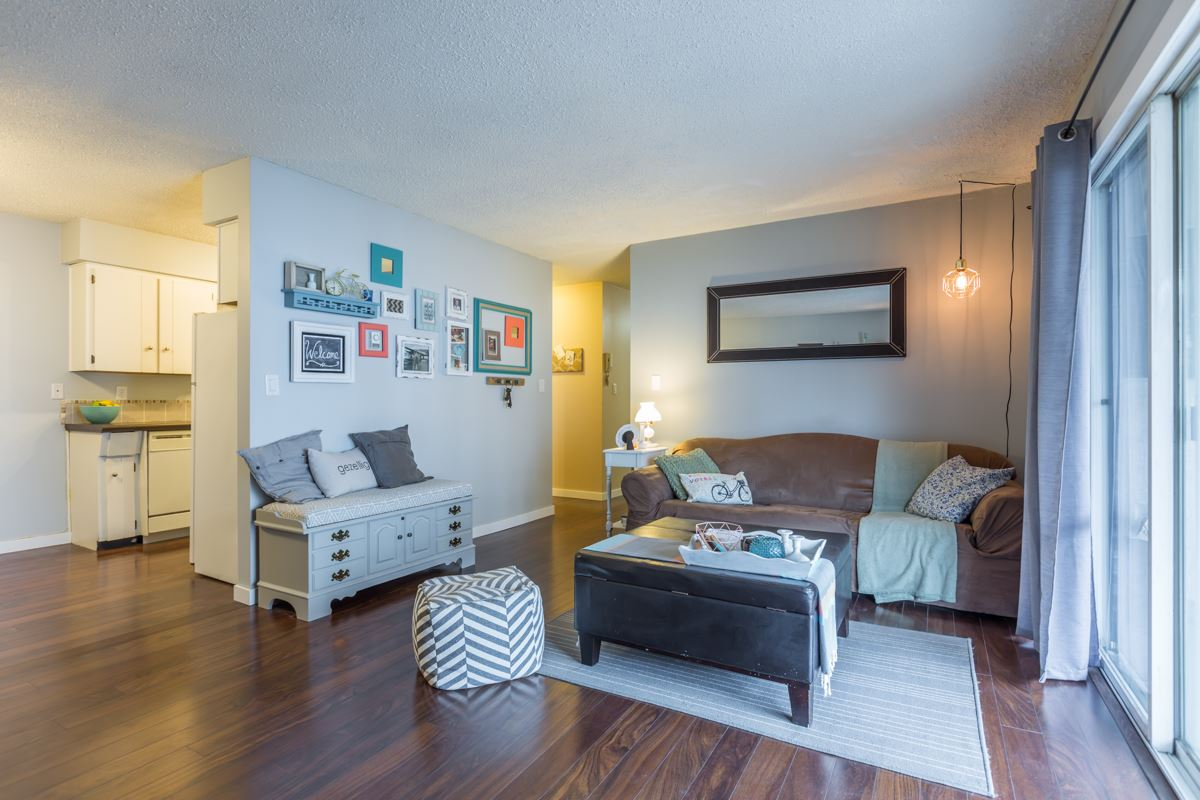 "Main Photo: 204 31855 PEARDONVILLE Road in Abbotsford: Abbotsford West Condo for sale in ""Oakwood Court"" : MLS®# R2146127"