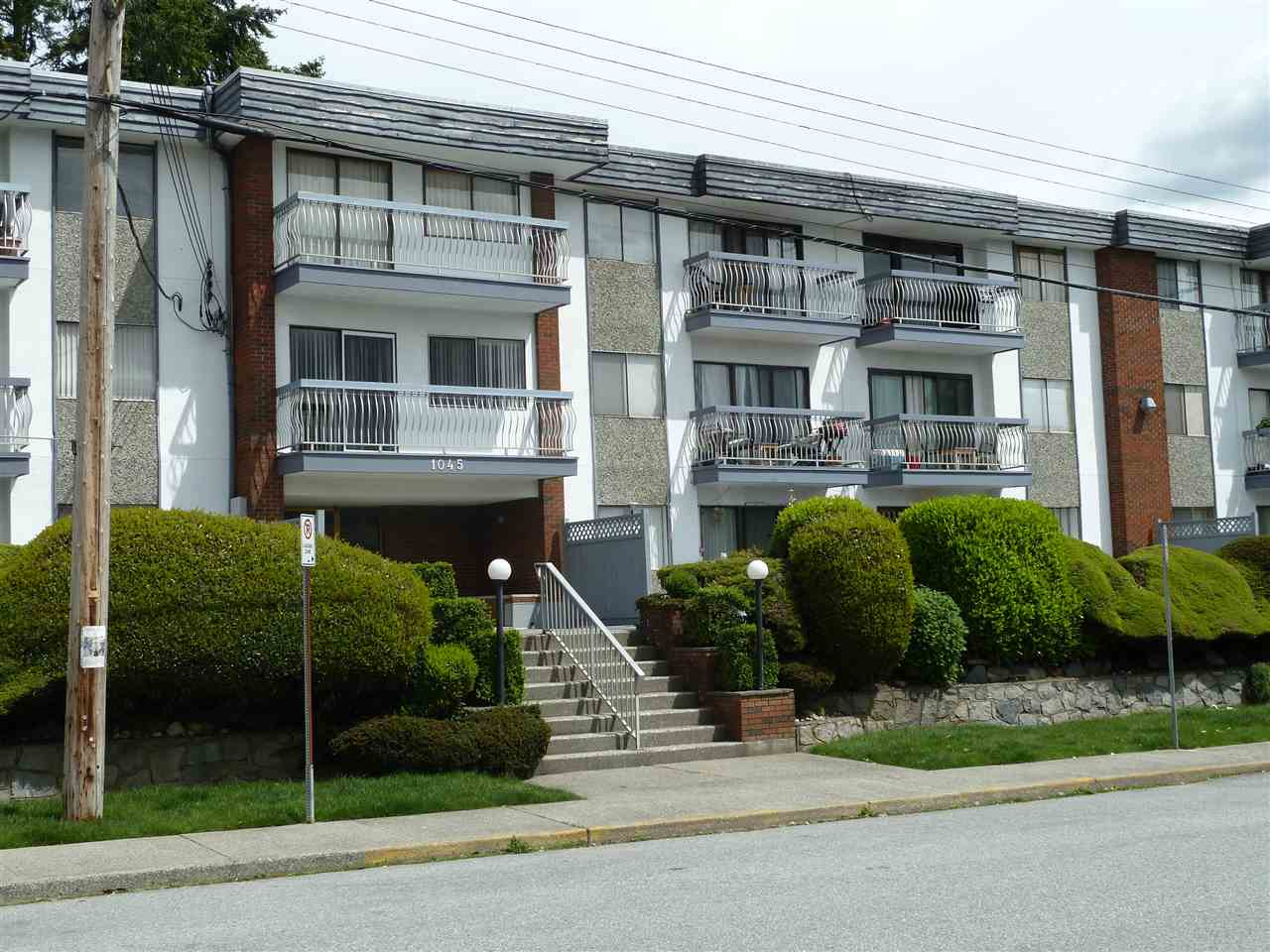 Main Photo: 107 1045 HOWIE Avenue in Coquitlam: Central Coquitlam Condo for sale : MLS(r) # R2169806
