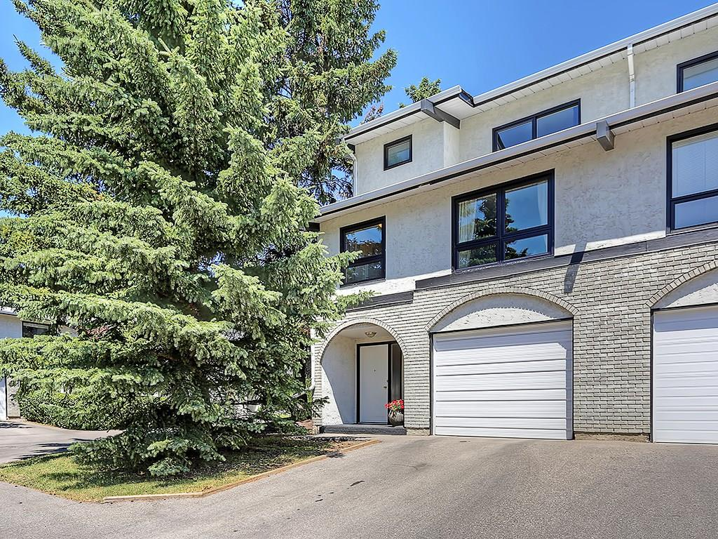 Main Photo: 63 5400 DALHOUSIE Drive NW in Calgary: Dalhousie House for sale : MLS® # C4126924