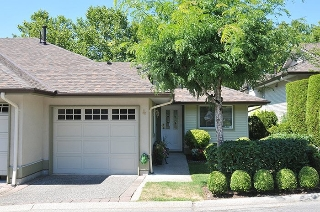 "Main Photo: 4 22740 116 Avenue in Maple Ridge: East Central Townhouse for sale in ""FRASER GLEN"" : MLS® # R2193766"