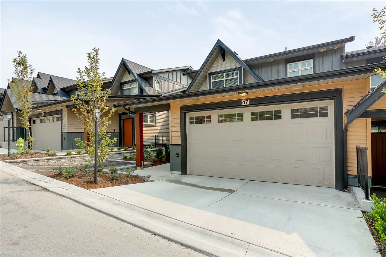 "Main Photo: 47 10525 240TH Street in Maple Ridge: Albion Townhouse for sale in ""Magnolia Grove"" : MLS®# R2195155"