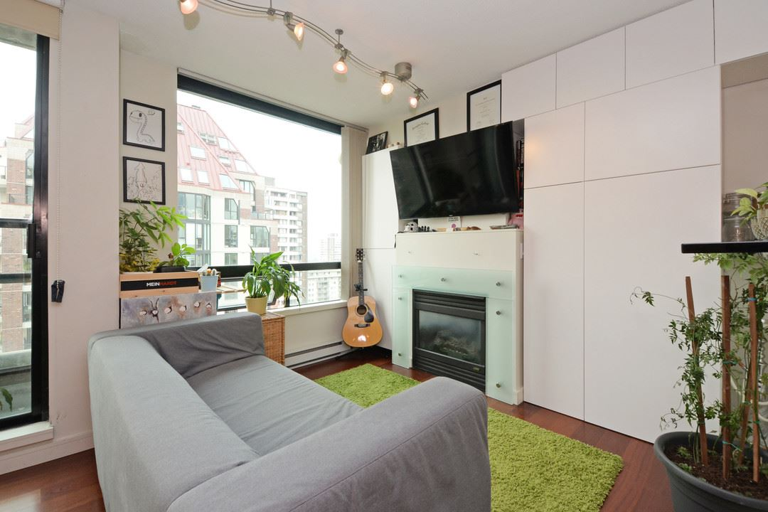 "Main Photo: 1505 1003 BURNABY Street in Vancouver: West End VW Condo for sale in ""MILANO"" (Vancouver West)  : MLS® # R2202748"