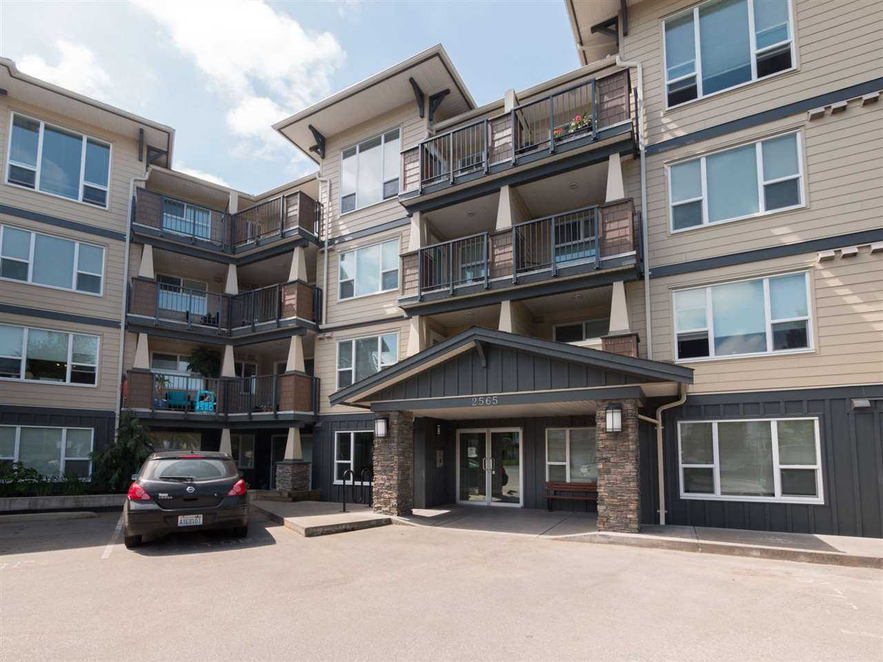 "Main Photo: 421 2565 CAMPBELL Avenue in Abbotsford: Central Abbotsford Condo for sale in ""Abacus"" : MLS®# R2266079"