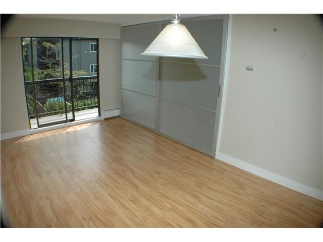 "Photo 6: 308 2330 MAPLE Street in Vancouver: Kitsilano Condo for sale in ""MAPLE GARDENS"" (Vancouver West)  : MLS® # V892245"