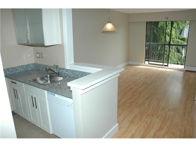 "Photo 2: 308 2330 MAPLE Street in Vancouver: Kitsilano Condo for sale in ""MAPLE GARDENS"" (Vancouver West)  : MLS(r) # V892245"
