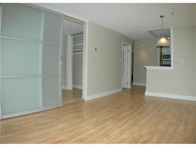 "Photo 5: 308 2330 MAPLE Street in Vancouver: Kitsilano Condo for sale in ""MAPLE GARDENS"" (Vancouver West)  : MLS(r) # V892245"