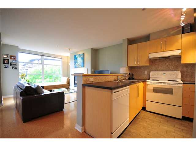 Photo 3: 200 2768 CRANBERRY Drive in Vancouver: Kitsilano Condo for sale (Vancouver West)  : MLS(r) # V895634