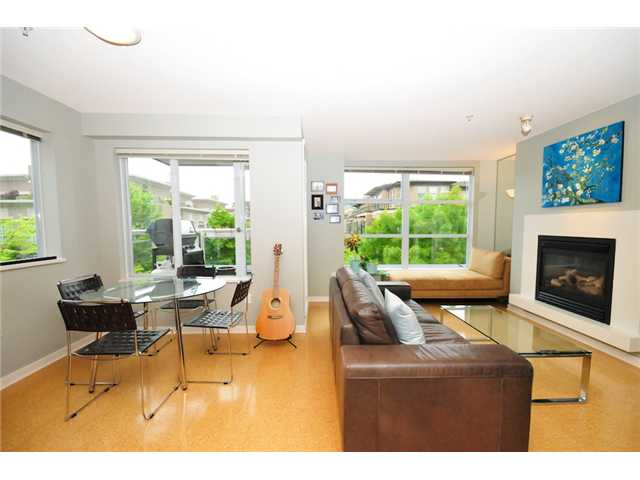 Main Photo: 200 2768 CRANBERRY Drive in Vancouver: Kitsilano Condo for sale (Vancouver West)  : MLS(r) # V895634