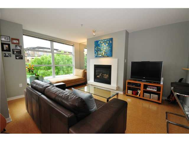 Photo 4: 200 2768 CRANBERRY Drive in Vancouver: Kitsilano Condo for sale (Vancouver West)  : MLS(r) # V895634