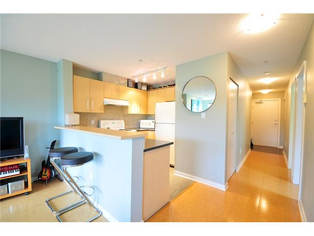 Photo 2: 200 2768 CRANBERRY Drive in Vancouver: Kitsilano Condo for sale (Vancouver West)  : MLS(r) # V895634