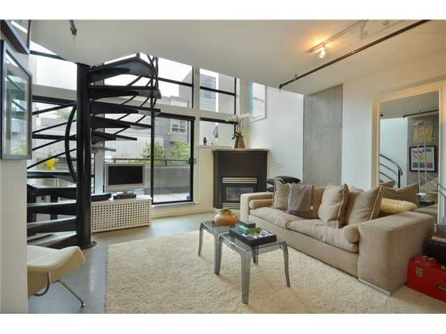 "Main Photo: 309 428 W 8TH Avenue in Vancouver: Mount Pleasant VW Condo for sale in ""XL LOFTS"" (Vancouver West)  : MLS(r) # V910396"
