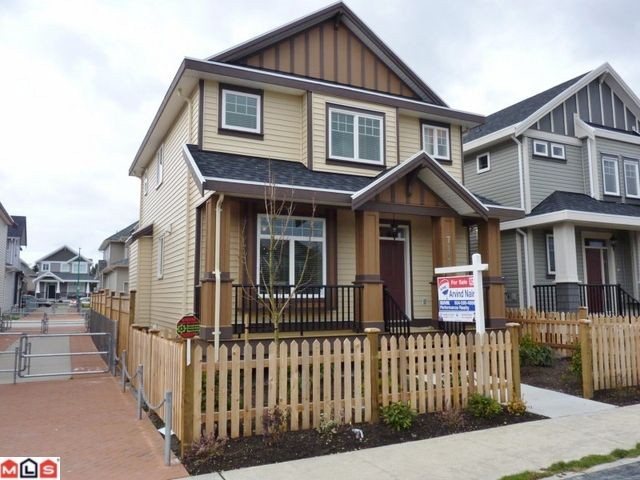 Main Photo: 7151 196TH Street in SURREY: Clayton House for sale (Cloverdale)  : MLS® # F1126093